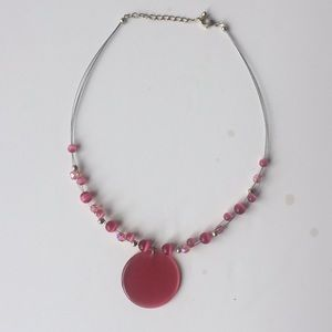Jewelry - NEW Pink beaded medallion necklace!
